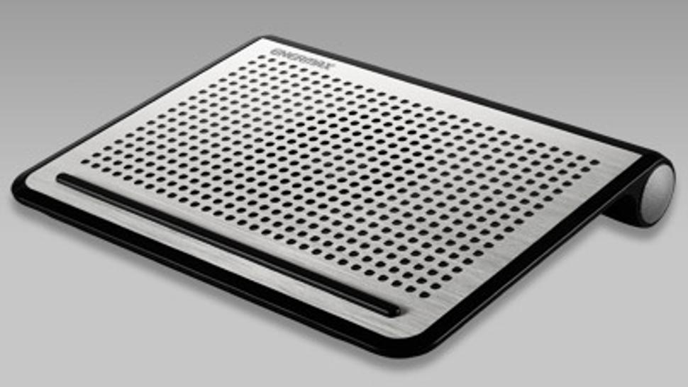 Best laptop cooling pad: Enermax TwisterOdio 16